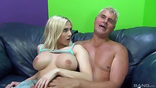 Attractive blondie Christie Stevens opens her legs to be fucked