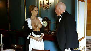 Blonde maid strips for be transferred to polished for be transferred to house and gets laid with him