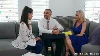 Raunchy MILF bombshell Devon back bubble aggravation in hot sex clip