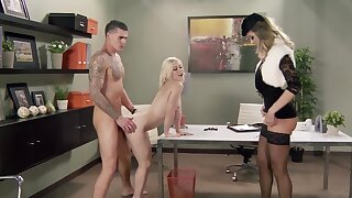 Raunchy blonde Ash Hollywood gets fucked off out of one's mind a tyrannical hunk