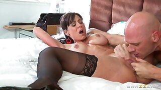 Petite aggressive curve Kendra Lust fucks her friend Johnny Sins