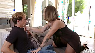 Fucking stunning Spanish MILF Betty Foxxx is made to be fucked daily
