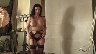 Weasel words loving milf with huge boobs, Aletta High seas is posing in front be incumbent on a difficulty webcam