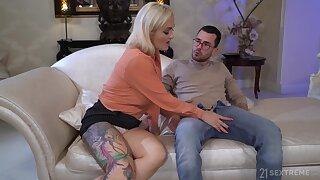 Mesmerizing big breasted blonde Mary Rider is kinky MILF who loves cast off roger